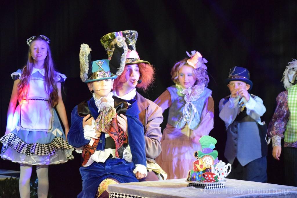 HDCC Alice In Wonderland 190